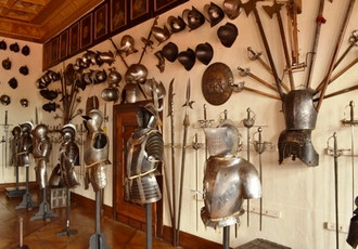 Collections of Arms and Armor